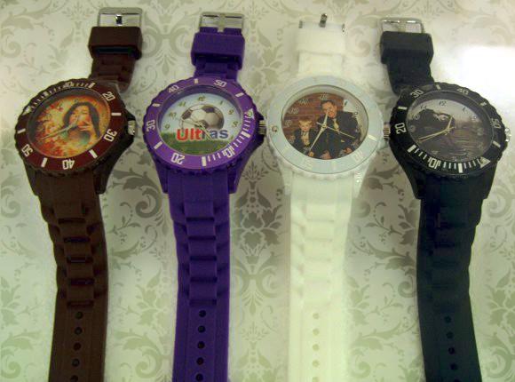 ceasuri de mana mari personalizate