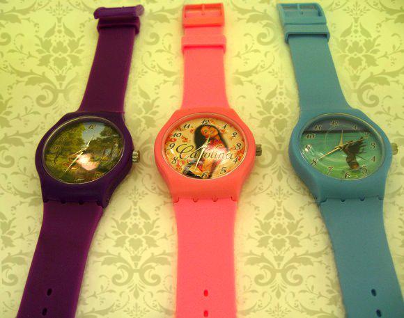 ceasuri de mana plastic colorat, personalizate