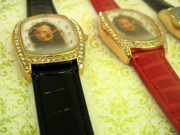 ceasuri dreptunghi ornamentat cu cristale, cadran personalizat cu poze