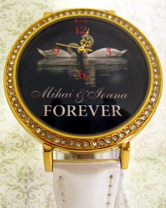 ceasuri de mana romantice personalizate cu nume, mesaje si poze