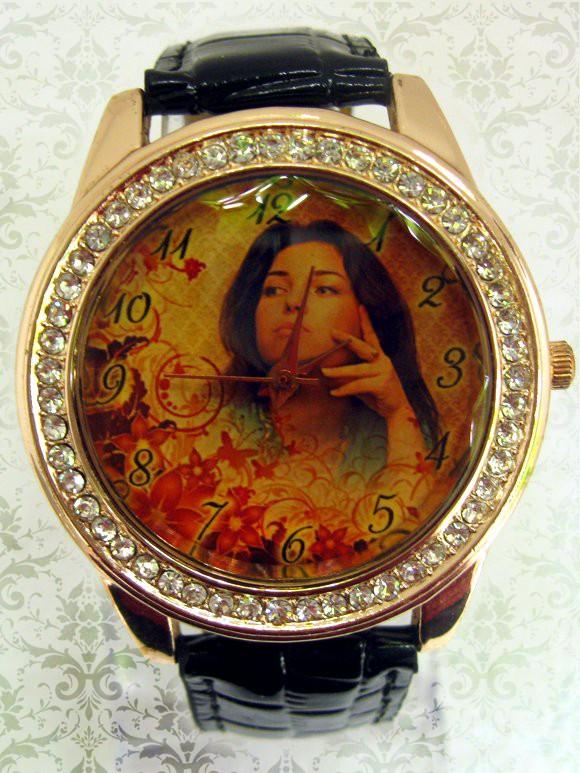 ceas de mana luxos, ornamentat cu cristale, cadran personalizat cu poze